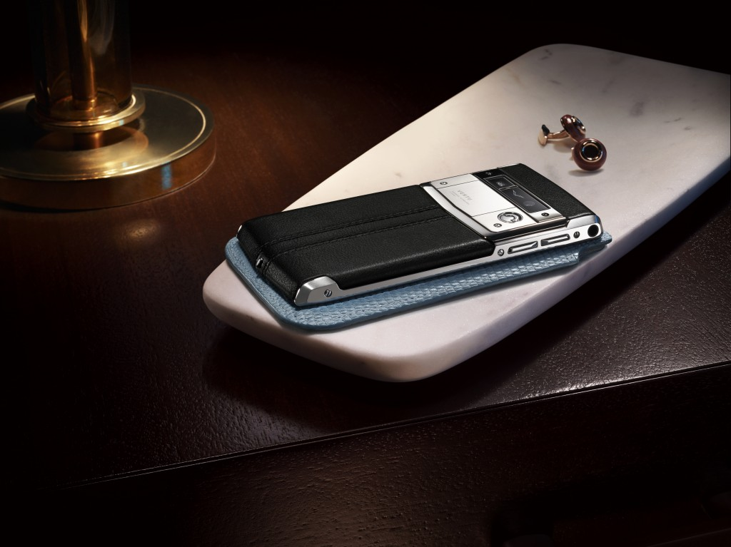 Vertu Signature Touch_Lifestyle 04